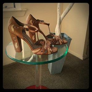 Kenneth Cole,  High Heel Sandal